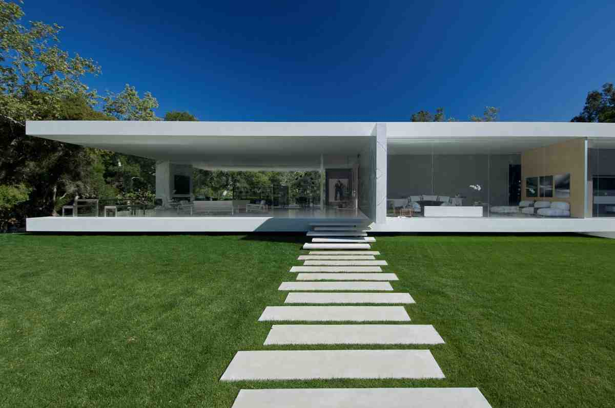 Modern-garden-design-modern-house-with-garden-design-idea-home