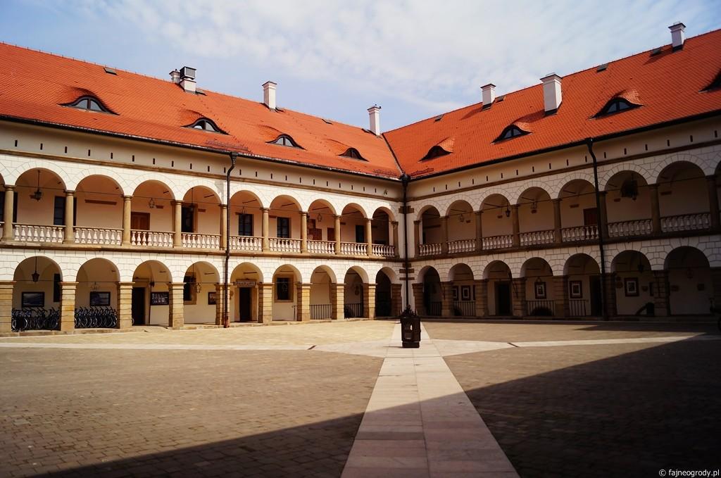 niepołomice zamek