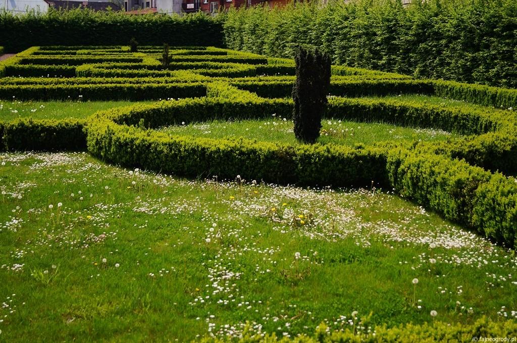 niepołomice ogrody