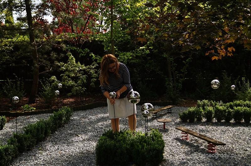 stalowe kule do ogrodu