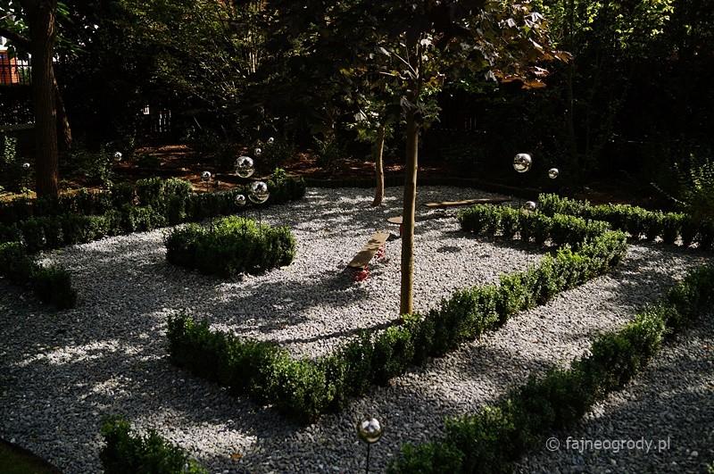 labirynt w ogrodzie