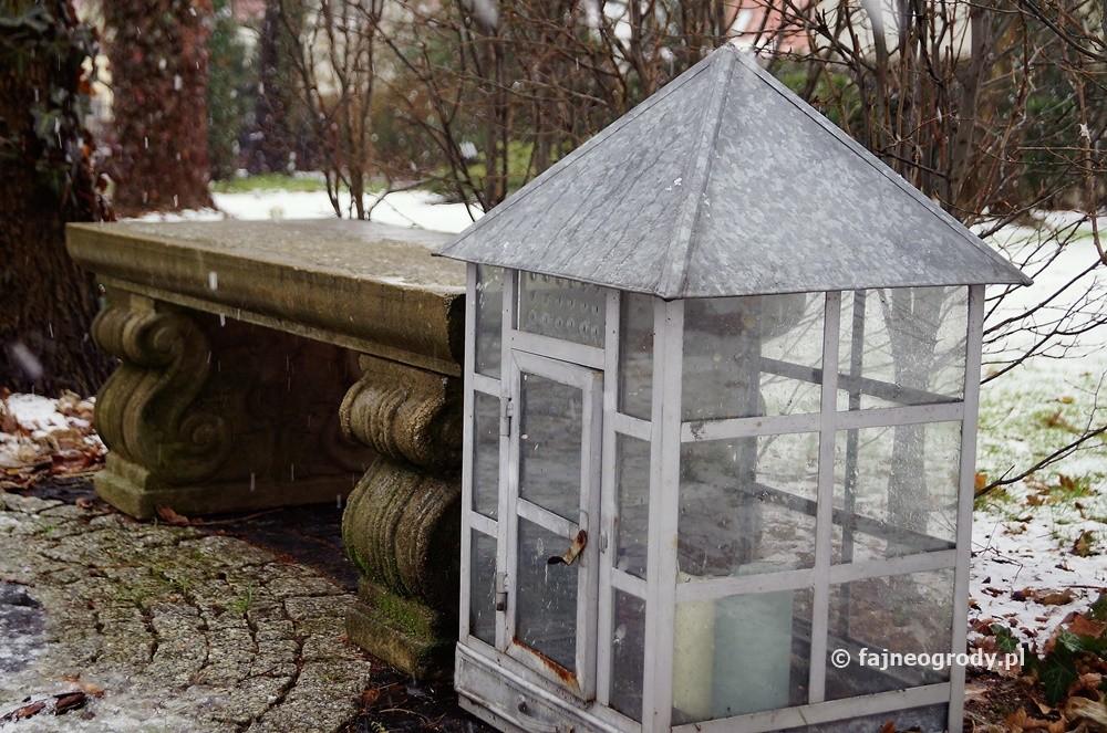 ogród dekoracyjny zimą